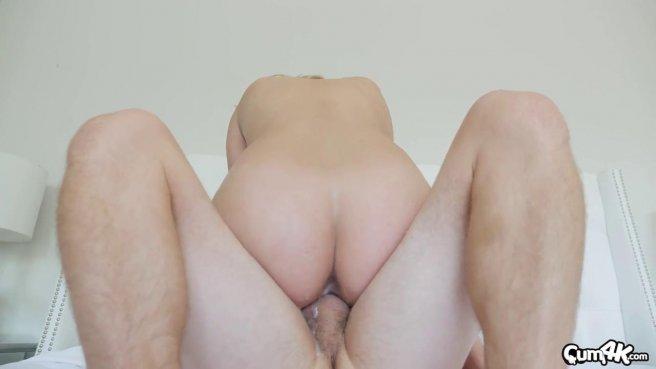 Девушка глубоко принимает в вагине слегка волосатый елдак любовника #7