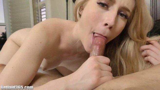 Девушка в позе всадника полирует крепкий пенис латиноамериканского садовника #9