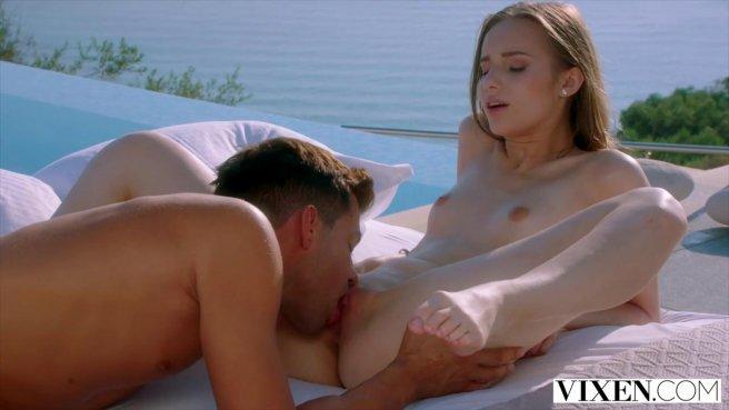 Красивый секс с милой девушкой парень устроил во время своего отпуска #4