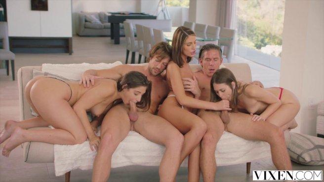 Жаркая оргия после небольшой вечеринки со стройными девицами на отдыхе #3