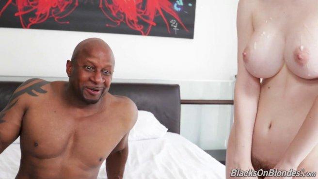 Негр с тату на плече раком входит в белую подругу толстой елдой #10