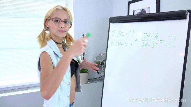 Учитель на кожаном диване жестко наказывает студентку проебом влагалища #1