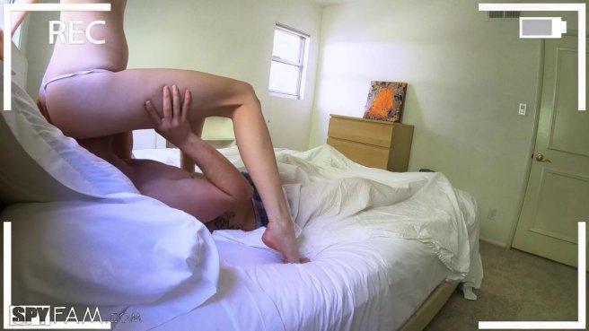 Муж проснулся рядом с голой соседкой и снова ее выебал без преза в писечку #3