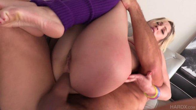Блондинка отсосала член, чтобы заняться жарким анальным сексом с тренером #5