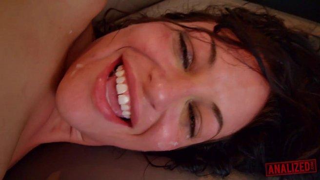 Мужик грубо трахает в рот телку и устраивает ей реально жесткий секс #10