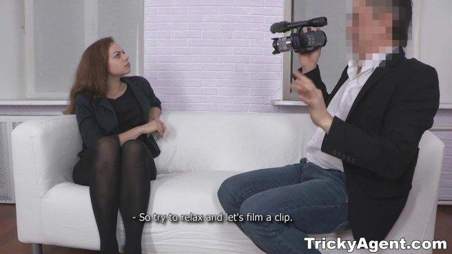 Полный седой режиссер занялся любовью с актрисой на кастинге #2