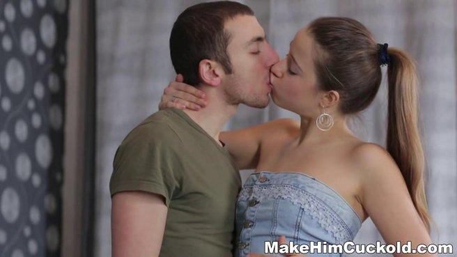 Стройняша в голубом платье связывает изменившего ей мужа, чтобы дать во все дырки любовнику #5